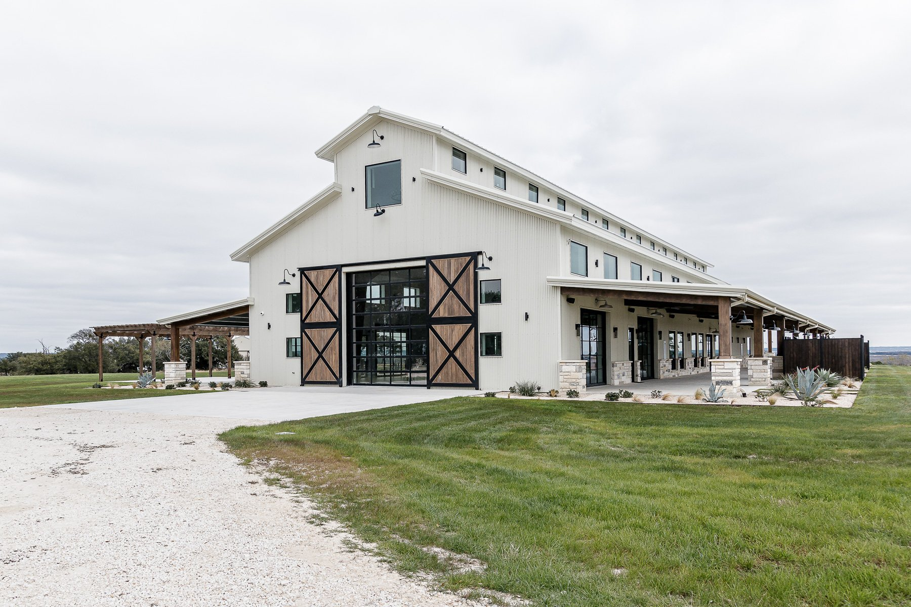 The Lodge at Harvey 5 Wedding and Event Venue in Gatesville Texas